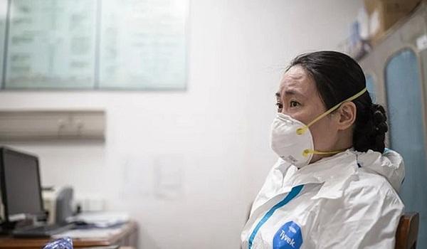"""Κορονοϊός: """"Εξαφανίστηκε"""" η γιατρός από την Ουχάν, που είχε προειδοποιήσει για την πανδημία"""