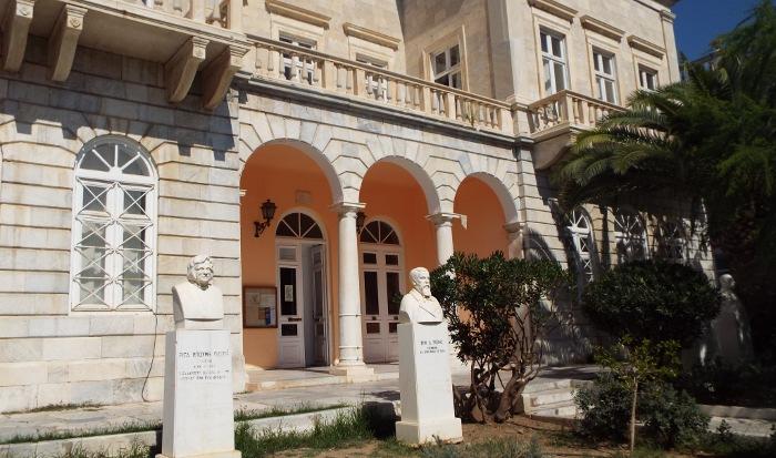 Επαναλειτουργία της Δημοτικής Βιβλιοθήκης Ερμούπολης