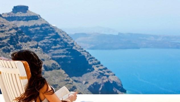 Οι αλλαγές στον τουρισμό. Τι προβλέπεται για δόμηση, αιγιαλό, νησιά και βραχονησίδες