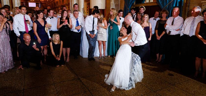 Τα γλέντια των γάμων θα τελειώνουν στις 24:00 με τα νέα μέτρα
