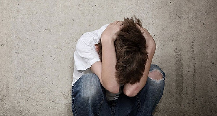Φρίκη στη Ρόδο: Βίασε τον 13χρονο αδερφό του παρουσία φίλου του