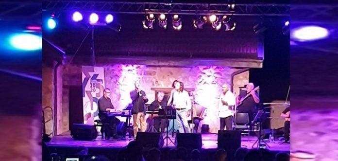 Μητσιάς, Νταλάρας & Λέκκας τραγούδησαν μαζί στη Σύρο