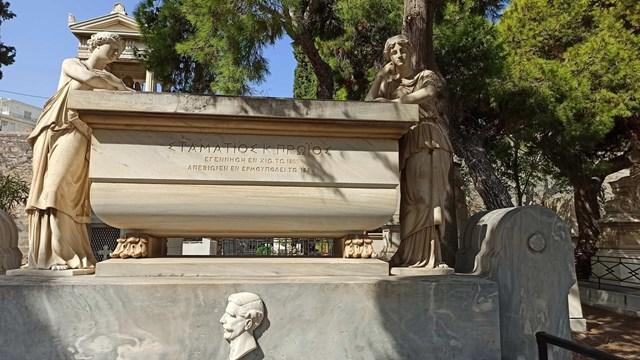 Προσπάθειες διάσωσης και ανάδειξης των ταφικών μνημείων της Ερμούπολης