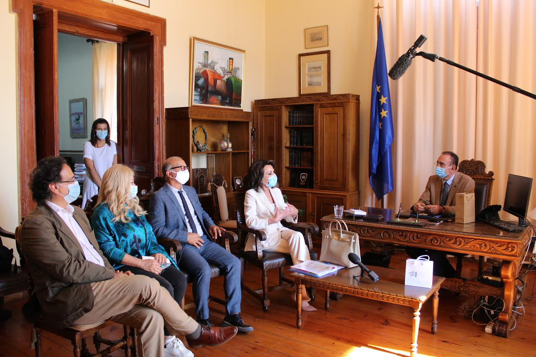 """Συνάντηση Ν. Λειβαδάρα με την πρόεδρο της επιτροπής """"Ελλάδα 2021"""" Γιάννα Αγγελοπούλου – Δασκαλάκη"""