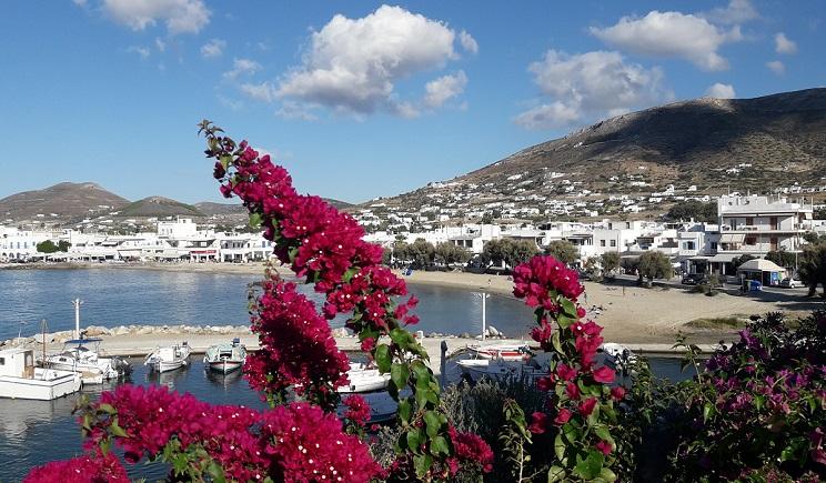 Διπλή διάκριση για την Πάρο: Και στα 10 καλύτερα νησιά της Ευρώπης και νησί για διακοπές το χειμώνα μαζί με Μήλο και Σαντορίνη