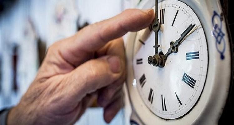 Αλλάζει τα ξημερώματα η ώρα – Τι προβλέπεται για τις αλλαγές στο μέλλον