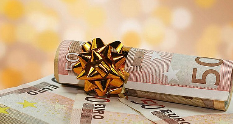 Δώρο Χριστουγέννων στις 21 Δεκεμβρίου. Τα 9 μέτρα στήριξης για τον Δεκέμβριο