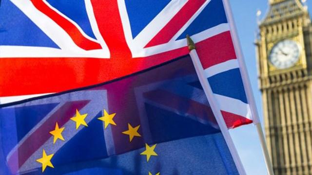Δικαίωμα διαμονής στην Ελλάδα θεμελιώνουν οι πολίτες Ηνωμένου Βασιλείου